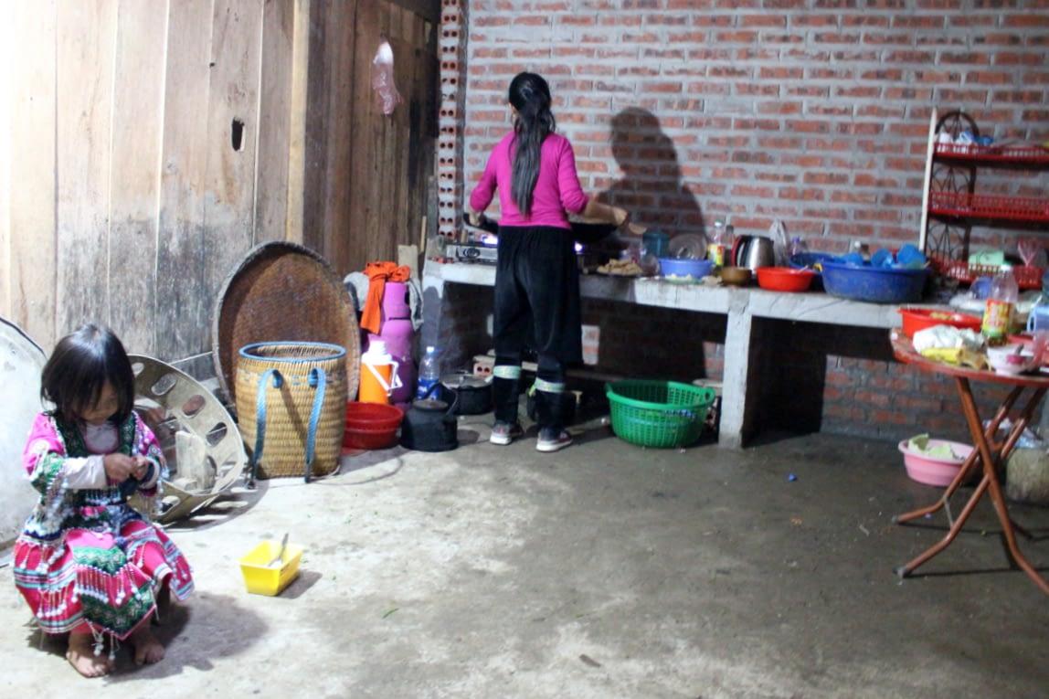 Tak wyglądają jedne z lepszych, bo murowanych wietnamskich domów. Kuchnia u Tom Tom.