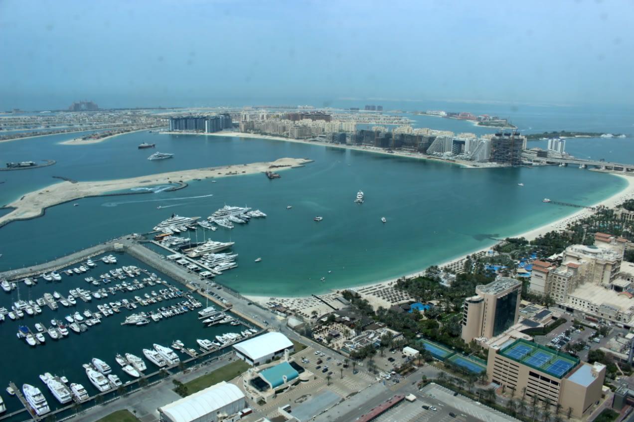 PALM JUMEIRACH - Wyspy w kształcie palmy w Dubaju.