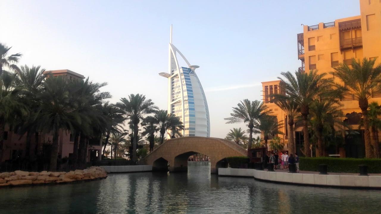 Burj al-Arab - jedyny na świecie 7-gwiazdkowy hotel, Dubaj.
